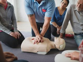 Pierwsza pomoc z AED